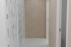 shkaf-v-koridore