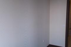 spalnya-svetlaya-stena