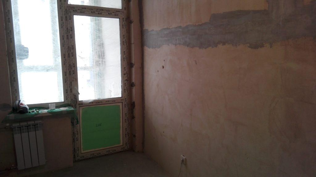 Экономлю на ремонте в квартире - штукатурка отваливается
